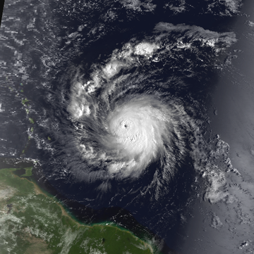 360px-Hurricane_Hugo_15_September_1989_1105z
